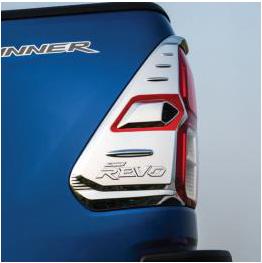 Διακοσμητικό Φανού TOYOTA HILUX Pick-Up / 2WD / 2dr Μιάμιση Καμπίνα 2015 - 2.5 D-4D (150 Hp } 4WD #WI.38045
